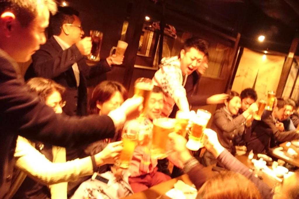 角谷亮宴会で乾杯!